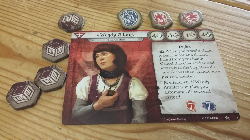 Arkham Horror: The Card Game review - Investigator1