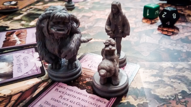 Labyrinth board game review - miniatures