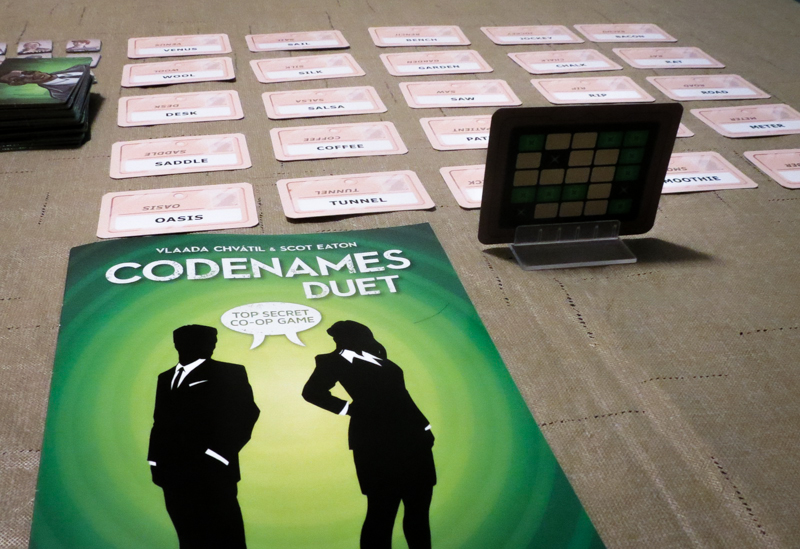 Codenames Duet review - setup