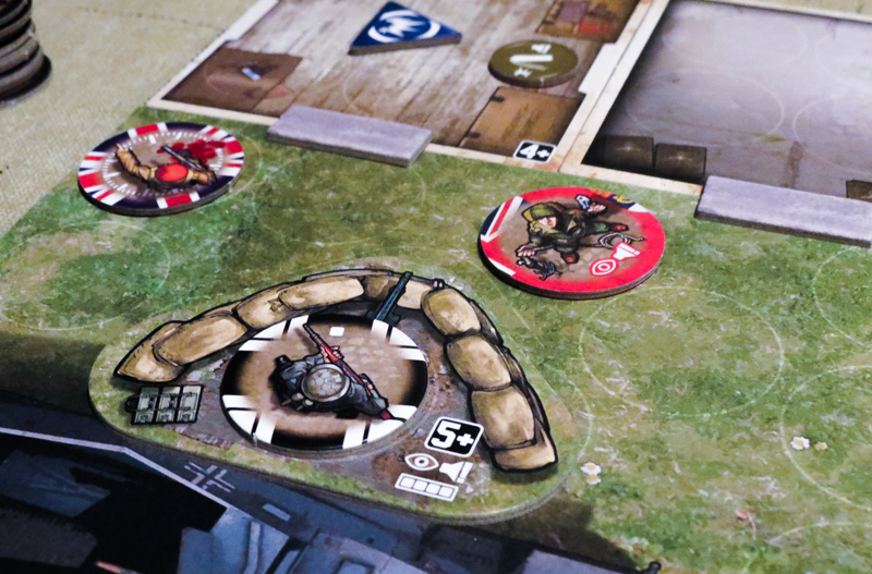 V-Commandos review - attacking the enemy